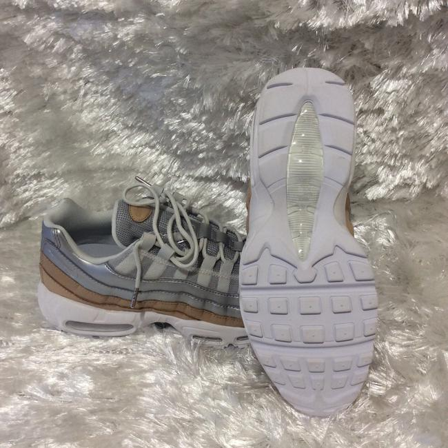 Nike White Cream and Silver A8697002 Sneakers Size US 6.5 Regular (M, B) Nike White Cream and Silver A8697002 Sneakers Size US 6.5 Regular (M, B) Image 7