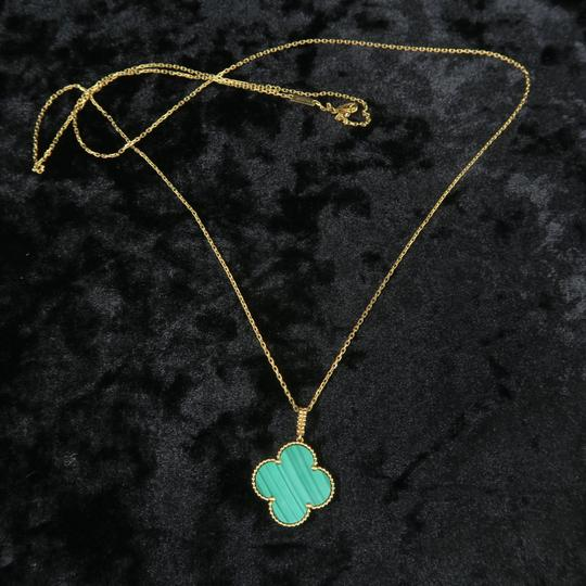 Van Cleef & Arpels Van Cleef & Arpels Yellow Gold Malachite Magic Alhambra Long Necklace Image 1