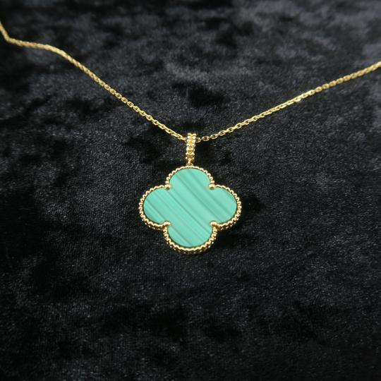 Van Cleef & Arpels Van Cleef & Arpels Yellow Gold Malachite Magic Alhambra Long Necklace Image 4
