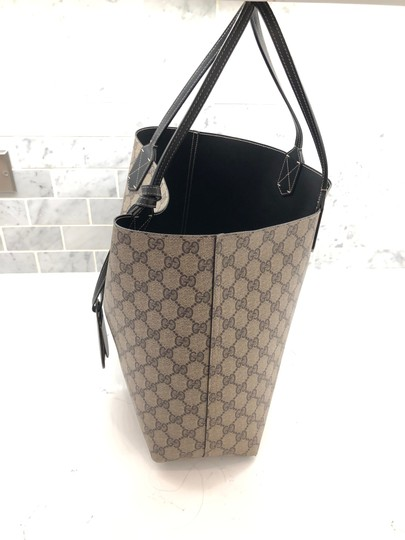 Gucci Reversible Tote in Black/Beige Ebony GG Leather Image 2