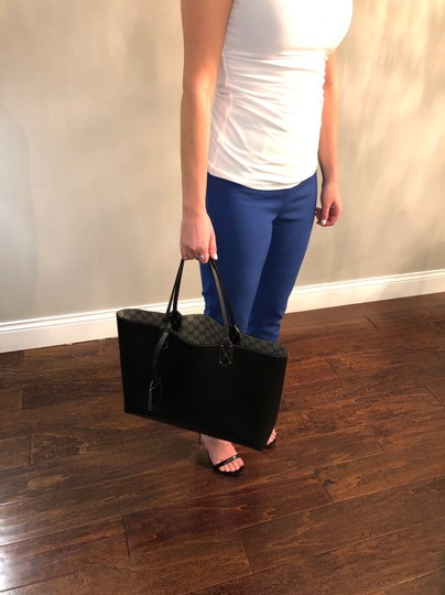 Gucci Reversible Tote in Black/Beige Ebony GG Leather Image 6