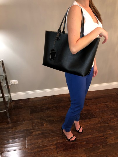 Gucci Reversible Tote in Black/Beige Ebony GG Leather Image 8