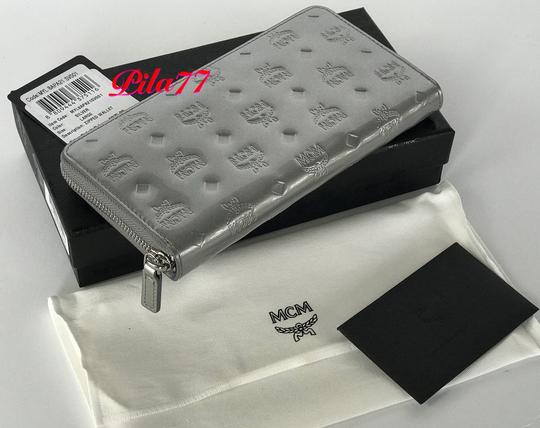 MCM New Wallet embossed patent leather Image 4