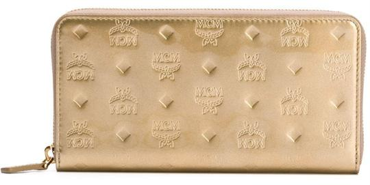 MCM New Wallet embossed patent leather Image 1