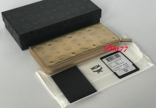 MCM New Wallet embossed patent leather Image 6