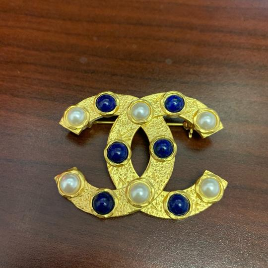 Chanel CHANEL 2019 Gold Pearl Statement CC Brooch Image 1