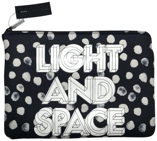 Preload https://img-static.tradesy.com/item/25867094/marc-by-marc-jacobs-black-and-white-clutch-cosmetic-bag-0-1-540-540.jpg