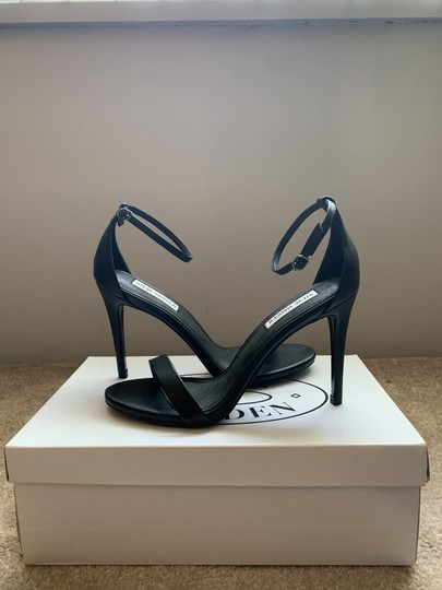 Steve Madden Designer Party Simple Everyday Black Sandals Image 2