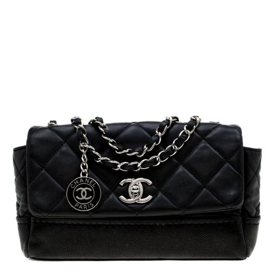 Preload https://img-static.tradesy.com/item/25871313/chanel-classic-flap-quilted-classic-single-black-leather-shoulder-bag-0-0-540-540.jpg