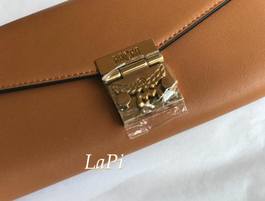 MCM Tote Chain Wallet Stud Leather Cross Body Bag Image 4