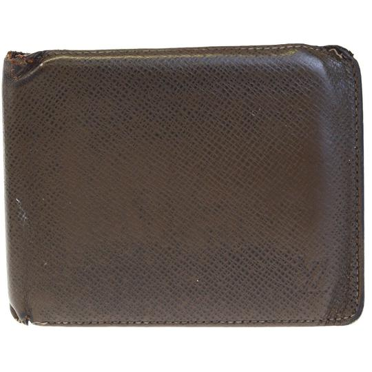 Preload https://img-static.tradesy.com/item/25871722/louis-vuitton-brown-florin-bifold-purse-taiga-leather-wallet-0-0-540-540.jpg