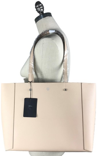 Preload https://img-static.tradesy.com/item/25871757/mcm-new-shopper-beige-coated-canvas-tote-0-1-540-540.jpg