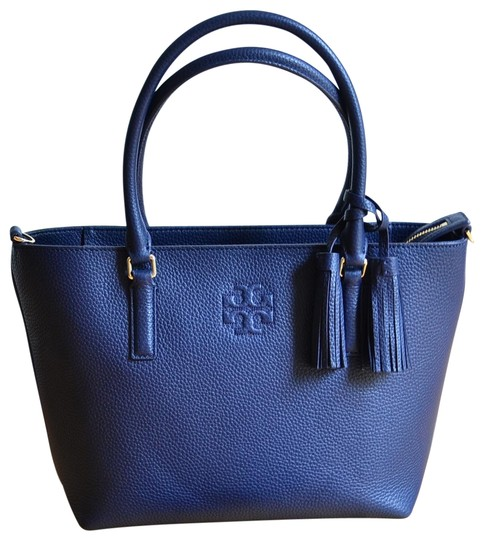 Preload https://img-static.tradesy.com/item/25871866/tory-burch-thea-small-convertible-royal-navy-tote-0-1-540-540.jpg