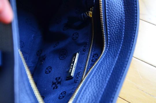 Tory Burch Tote in royal navy Image 2