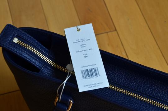 Tory Burch Tote in royal navy Image 4