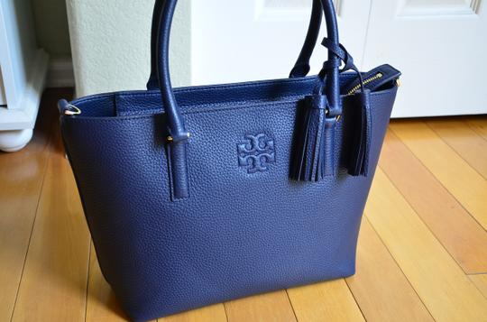 Tory Burch Tote in royal navy Image 6
