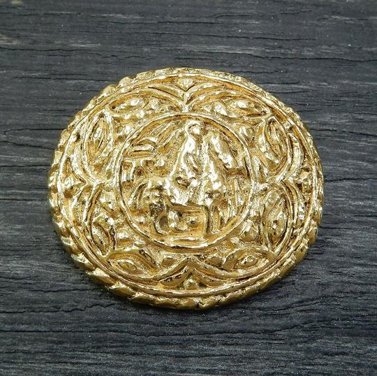 Chanel Chanel vintage gold plated horse pin brooch Image 4