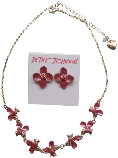 Preload https://img-static.tradesy.com/item/25871915/betsey-johnson-mauve-new-flower-necklace-and-earrings-0-5-540-540.jpg