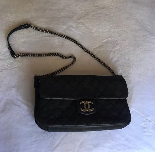 Chanel Clutch Image 6