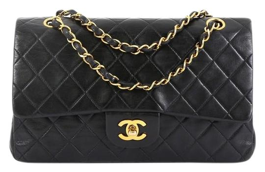 Preload https://img-static.tradesy.com/item/25871995/chanel-classic-flap-vintage-classic-double-quilted-lambskin-medium-black-leather-shoulder-bag-0-1-540-540.jpg
