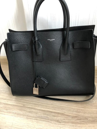 Saint Laurent Tote in black Image 9