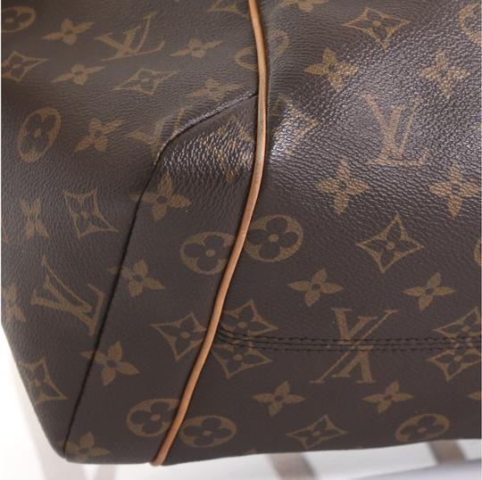 Louis Vuitton Totally Monogram Canvas Tote in brown Image 5