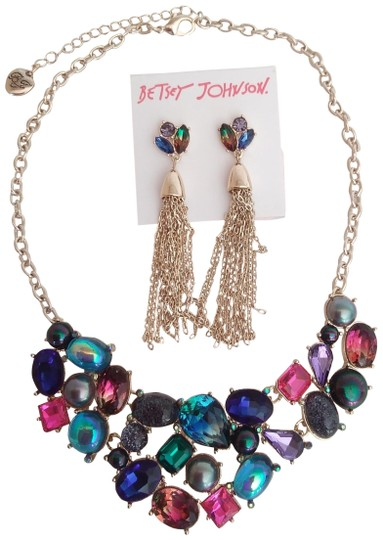 Preload https://img-static.tradesy.com/item/25872200/betsey-johnson-blue-new-abstract-necklace-and-earrings-0-2-540-540.jpg