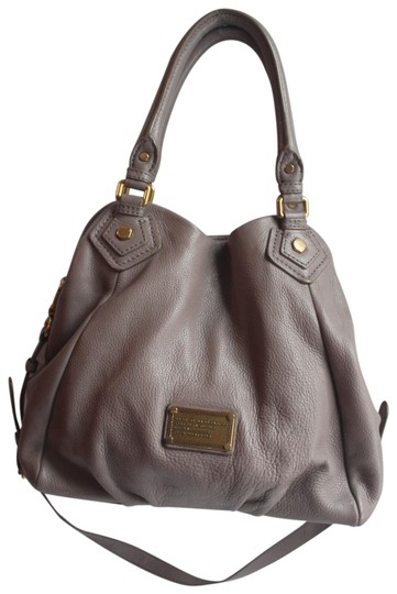 Preload https://img-static.tradesy.com/item/25872263/marc-by-marc-jacobs-taupe-leather-hobo-bag-0-1-540-540.jpg