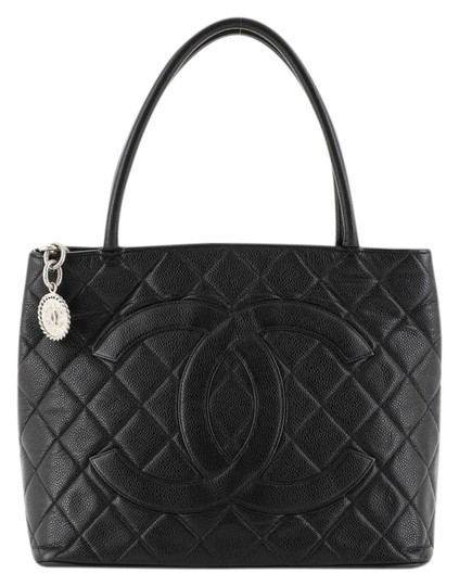 Preload https://img-static.tradesy.com/item/25872400/chanel-medallion-quilted-caviar-black-leather-tote-0-1-540-540.jpg
