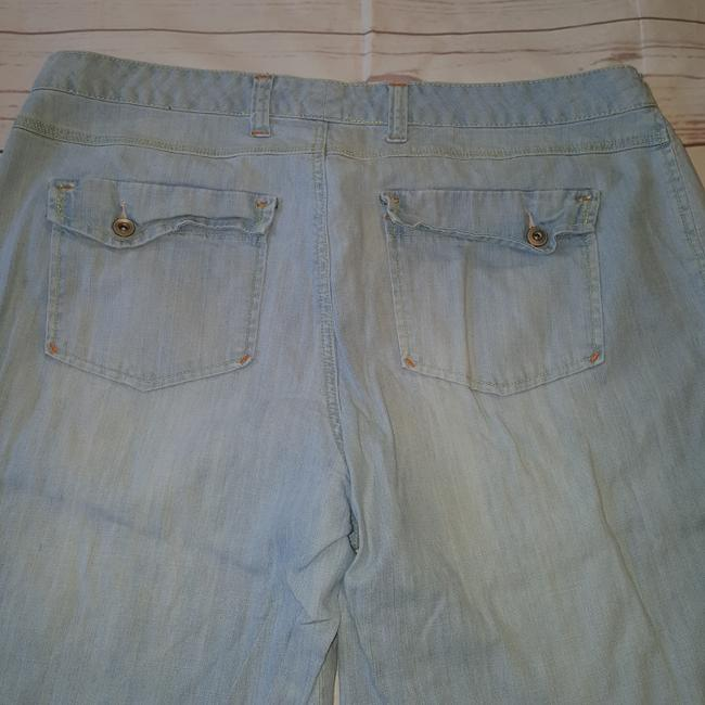 Avenue Capri/Cropped Denim-Light Wash Image 3
