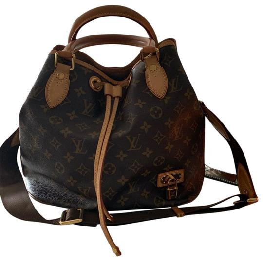 Preload https://img-static.tradesy.com/item/25872459/louis-vuitton-brown-leather-messenger-bag-0-1-540-540.jpg
