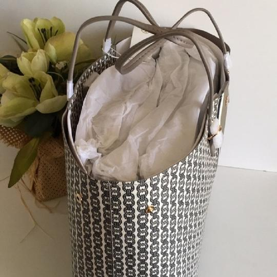 Tory Burch Tote in gray Image 1