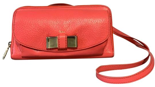 Preload https://img-static.tradesy.com/item/25872640/chloe-on-chain-wallet-with-front-pouch-pink-good-leather-cross-body-bag-0-1-540-540.jpg