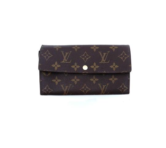 Preload https://img-static.tradesy.com/item/25872667/louis-vuitton-brown-clutch-sarah-monogram-canvas-leather-long-wallet-0-0-540-540.jpg