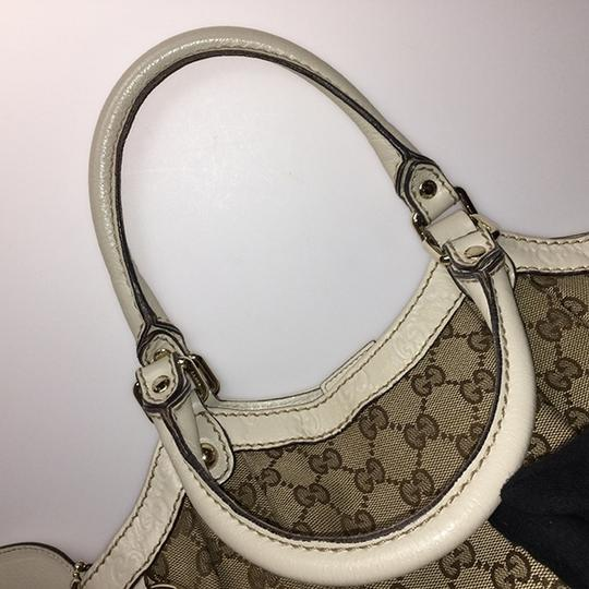 Gucci Satchel in Beige Image 10