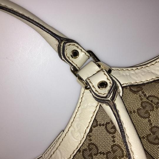 Gucci Satchel in Beige Image 14