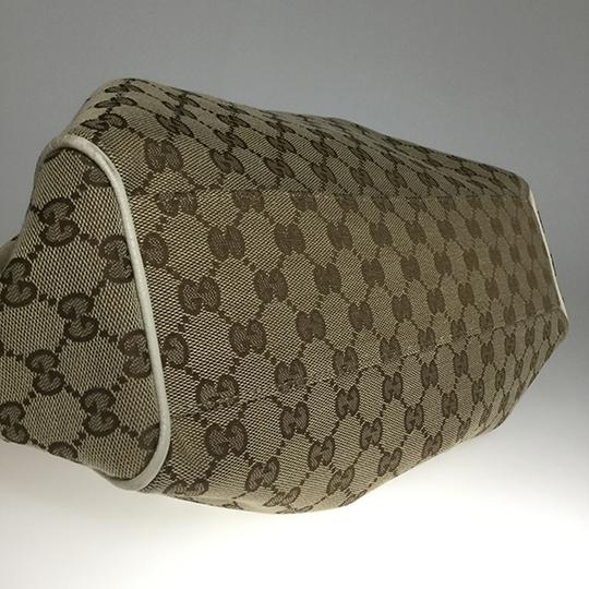 Gucci Satchel in Beige Image 6