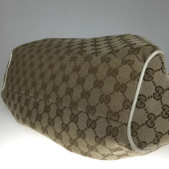 Gucci Satchel in Beige Image 7