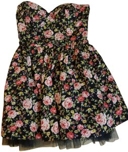 Papaya short dress Black Floral Chic Party Structured on Tradesy