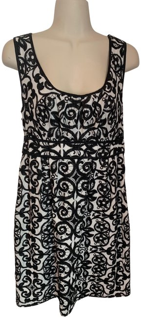 Item - Black and White Embroidered Short Casual Dress Size 12 (L)