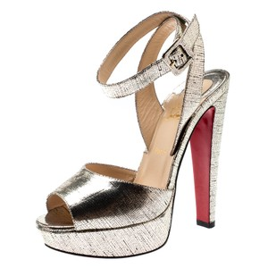 75aea7fcd2f Christian Louboutin on Sale - Up to 70% off at Tradesy (Page 2)