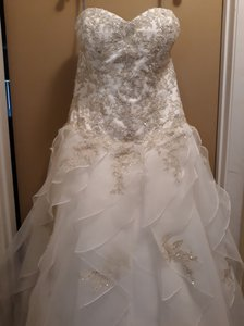 Alfred Angelo Ivory and Gold Polyester Lace Sapphire Formal Wedding Dress Size 10 (M)