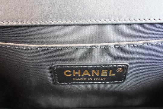 Chanel Cross Body Bag Image 10