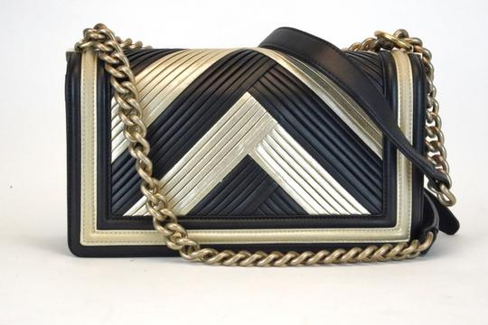 Chanel Cross Body Bag Image 5