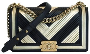 Chanel Cross Body Bag - item med img