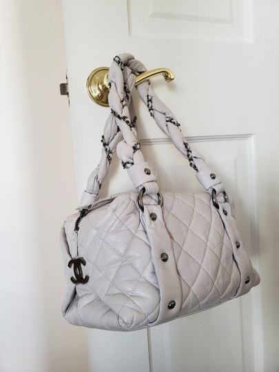 Chanel Tote in White Image 3