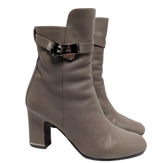 Preload https://img-static.tradesy.com/item/25881295/hermes-graytan-kelly-joueuse-taupe-leather-ankle-bootsbooties-size-eu-38-approx-us-8-regular-m-b-0-2-540-540.jpg