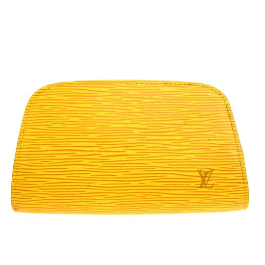 Preload https://img-static.tradesy.com/item/25881976/louis-vuitton-yellow-pouch-dauphine-pm-epi-leather-cosmetic-bag-0-0-540-540.jpg