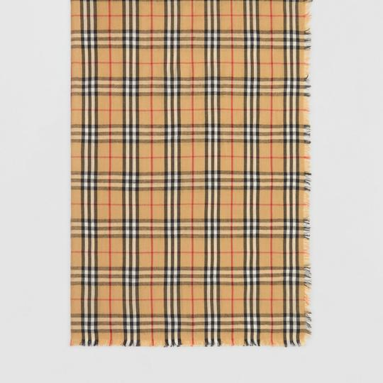 Burberry AUTHENTIC NEW Vintage Check Lightweight Cashmere Scarf Image 4