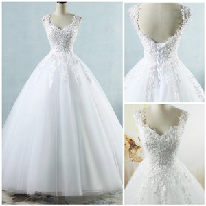 White Ivory Tulle with Pearls. 2-26w Or Customized Formal Wedding Dress Size OS (one size)